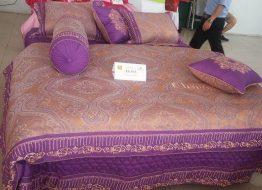 Sản phẩm chăn ga gối đệm Everon làm bằng cotton lụa satin.