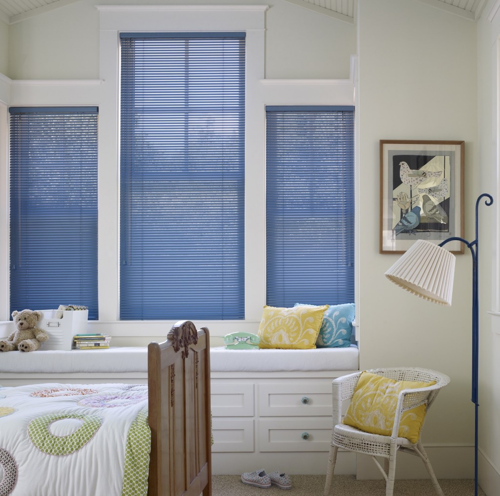 Mẫu rèm cửa sáo nhôm màu xanh